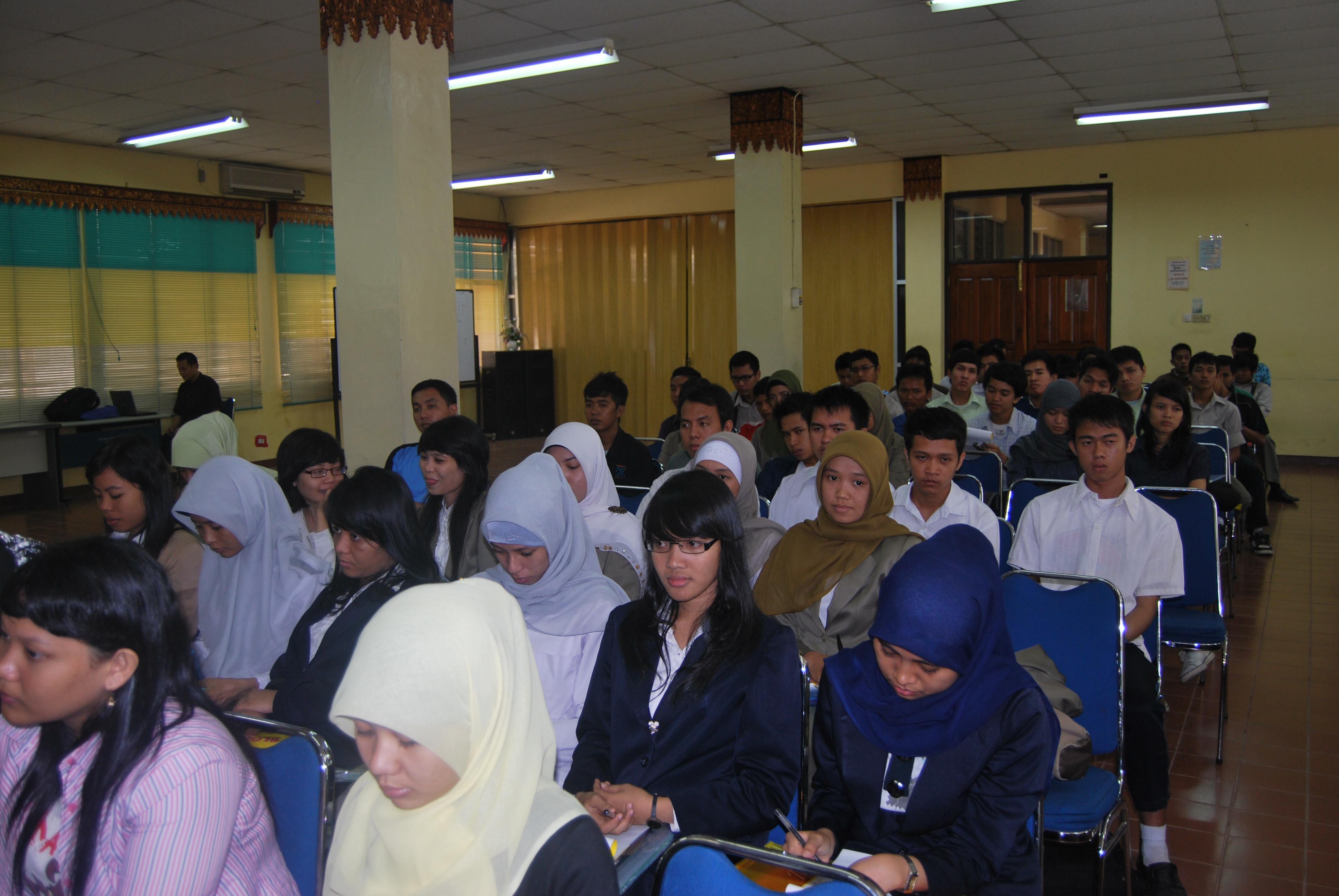Sosialisasi Program Mahasiswa Wirausaha (PMW)  Tahun 2013